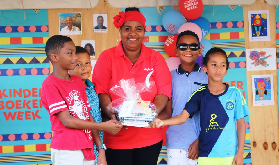 17 leerlingen winnen prijzen in wedstrijd Openbare Bibliotheek Nieuws - ABC online media BV