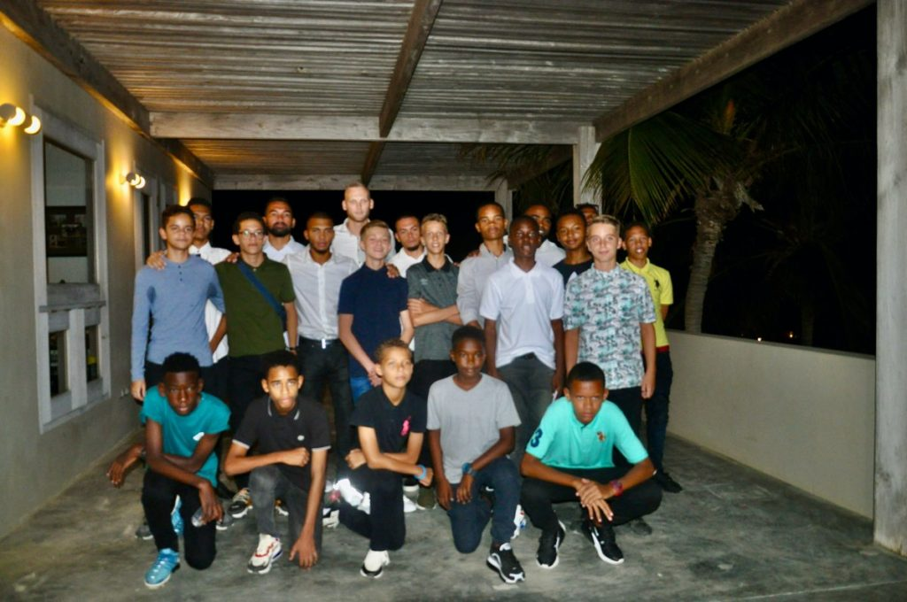 "Voetbalacademie ""The Dreams Project"" gestart op Bonaire"