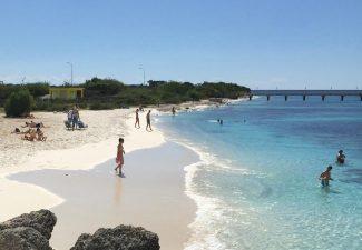 Overheid Bonaire heeft buik vol van feestgangers Te Amo Beach