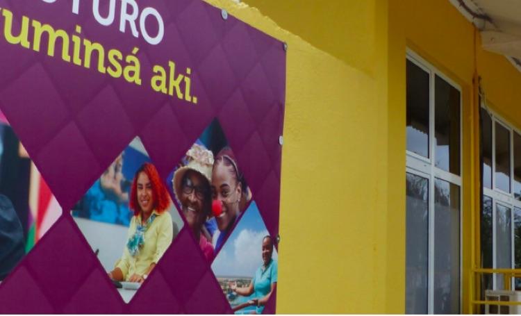 Thuisonderwijs op Bonaire extra uitdaging door tekort laptops