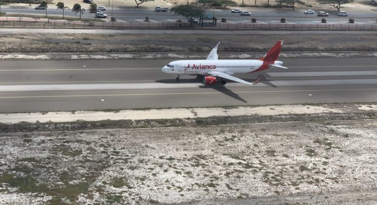 Avianca start vlucht vanaf Aruba | Foto: Dick Drayer