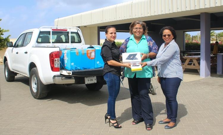 Laptops en subsidies voor scholen Caribisch Nederland