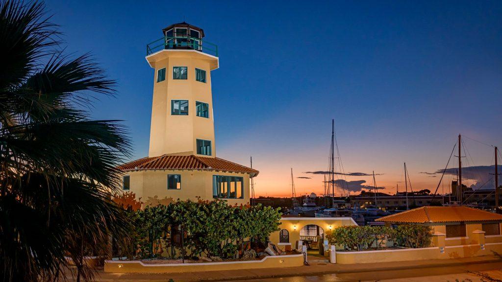 Heerlijk eten bij Oscar Lighthouse