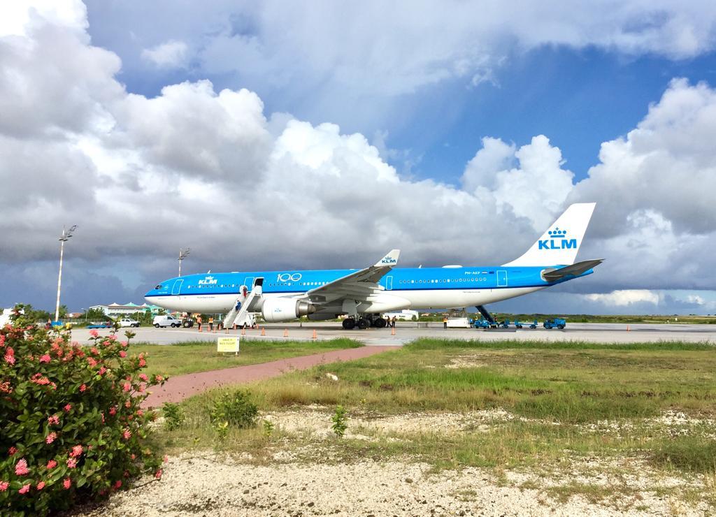 KLM in overleg met RIVM over een alternatief voor de sneltest voor het vliegend personeel
