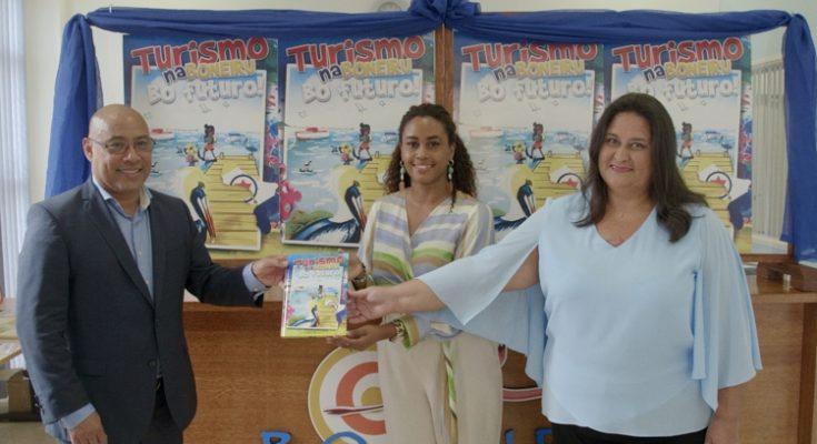 TCB lanceert het boek Turismo Na Boneiru, Bo Futuro!