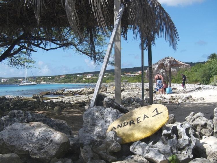 Auto inbraak bij duikstek Andrea 1 op Bonaire