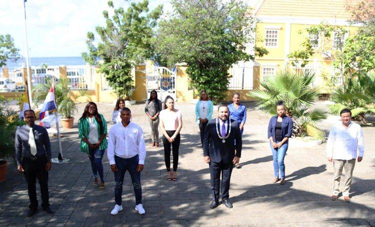 34 nieuwe ambtenaren beëdigd op Bonaire