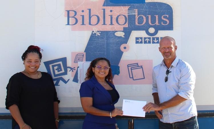 Donatie voor Stichting Lezen & Schrijven Bonaire