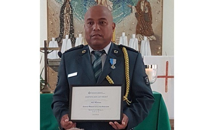 Diplome d'honneur Wereld Douane Organisatie uitgereikt aan Eddy Thielman