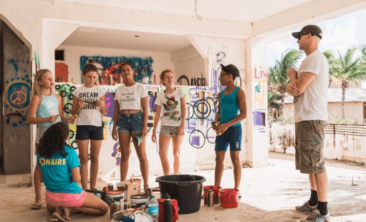 Street Colors Bonaire nodigt Tymon de Laat uit