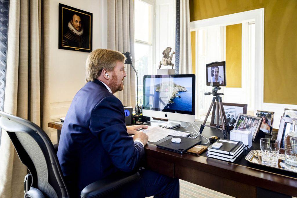 Koning praat met Bonaire en Sint-Maarten