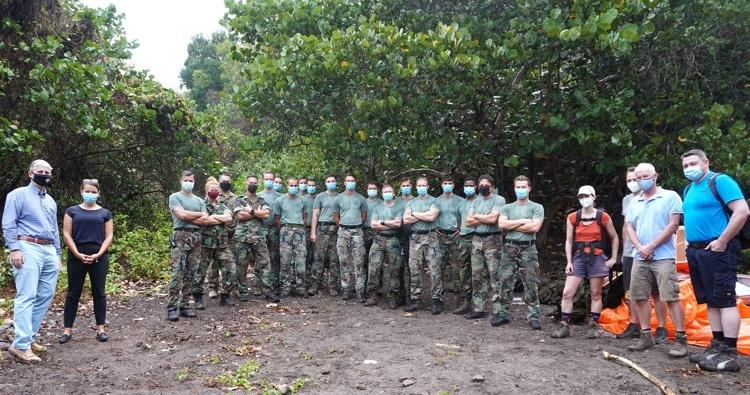 Goede vorderingen bij bouw van nieuw KNMI-meetstation op Saba