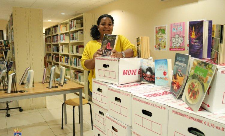 Openbare Bibliotheek Bonaire krijgt boeken cadeau