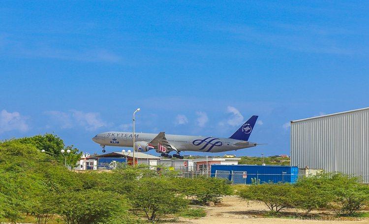 KLM Skyteam toestel landt voor het eerst op Bonaire
