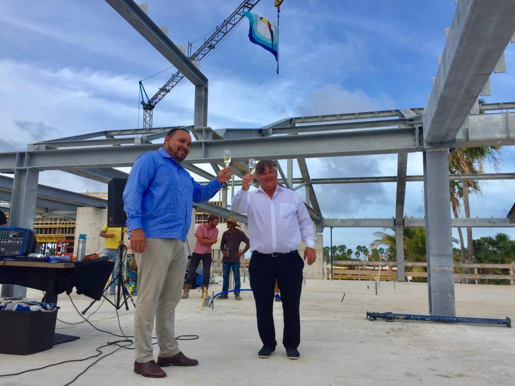 Nieuwbouw Plaza Beach Resort Bonaire bereikt hoogste punt