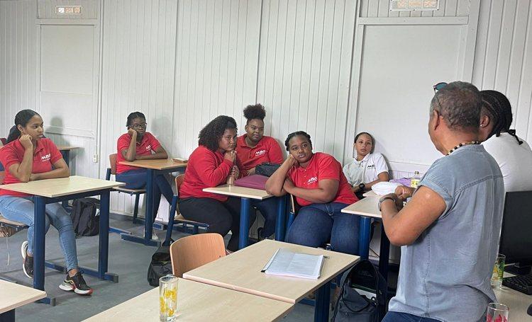 54 studenten MBO Bonaire registreren zich voor coronaprik