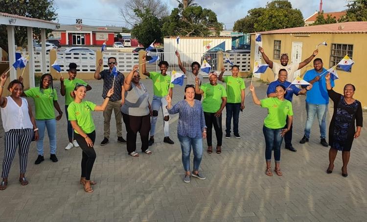 Jongeren Bonaire naar Arte di Palabra-wedstrijd in Aruba