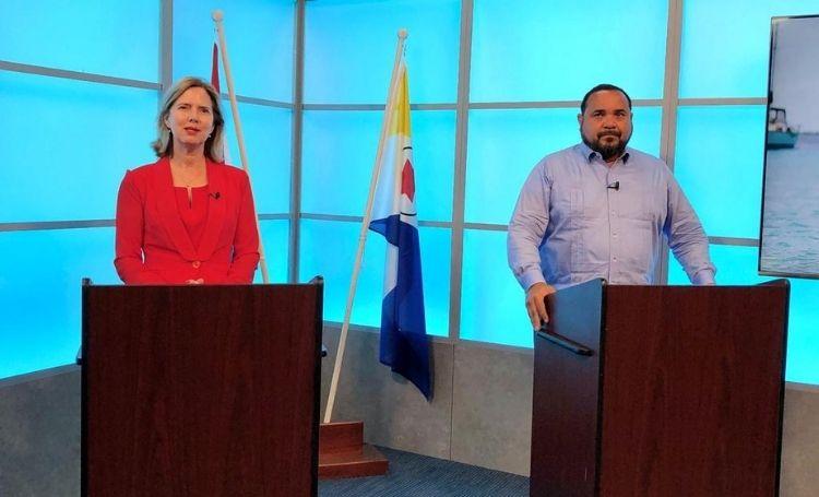 Minister Van Nieuwenhuizen krijgt kritische vragen over de wegen op Bonaire