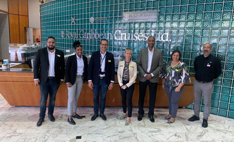 TCB en bestuurders van Bonaire wonen de FCCA-cruisetop in Miami bij