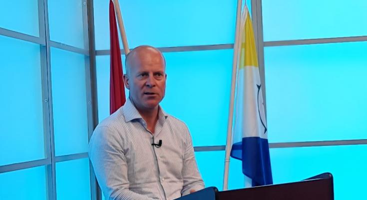 Raymond Knops krijgt energie van Bonaire