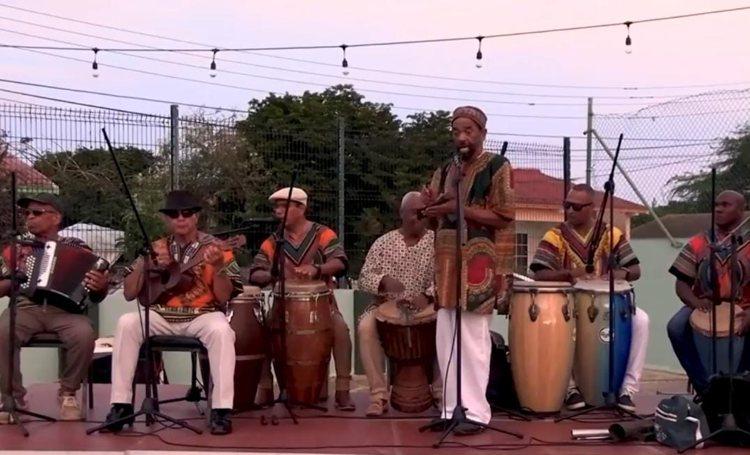 Muzikanten Bonaire mogen optreden, maar publiek mag niet dansen of zingen