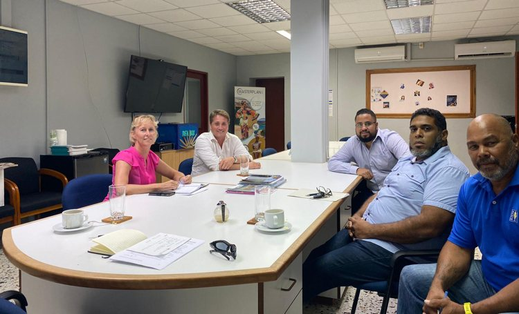 Overheid en Bonaire Cruise Tourism Association samen in gesprek