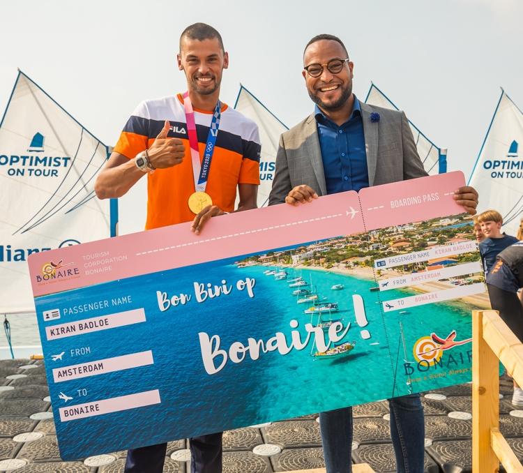 Olympisch windsurfkampioen Kiran Badloe komt naar Bonaire