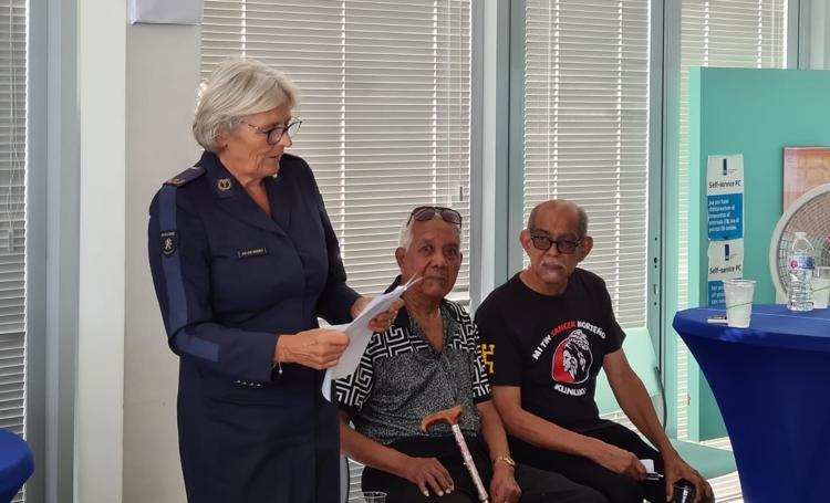 Belastingdienst Caribisch Nederland vernoemt receptiehal naar Larry Thomas