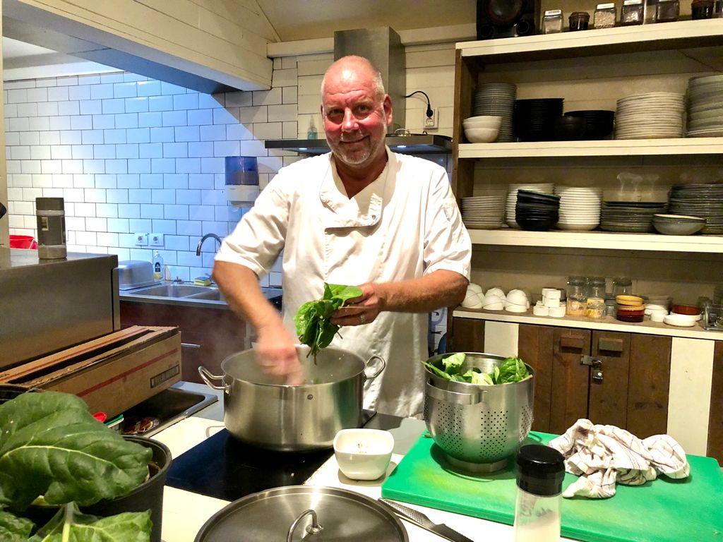 Eerste aflevering Bonaire Eet Smakelijk van chefkok Corjan in première